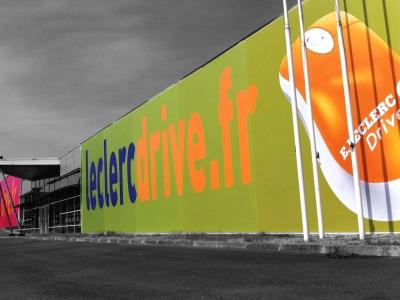 Leclerc Drive - façade en toile tendue 37x7 m et 25x6 m - Dpt 33